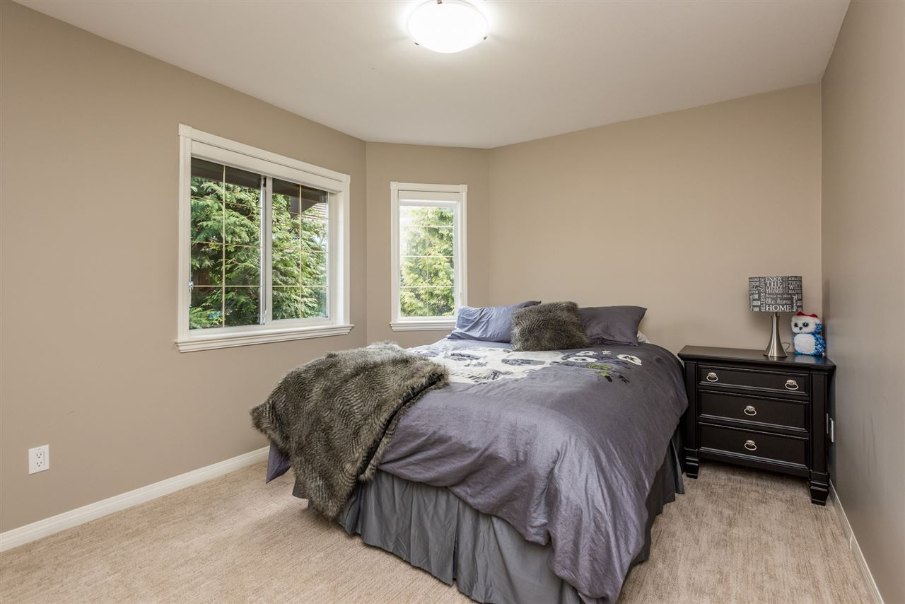 Detached at 13902 25A AVENUE, South Surrey White Rock, British Columbia. Image 15