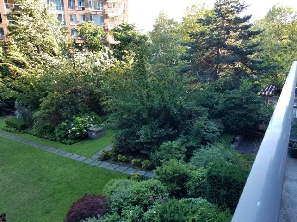 Condo Apartment at 306 5639 HAMPTON PLACE, Unit 306, Vancouver West, British Columbia. Image 2