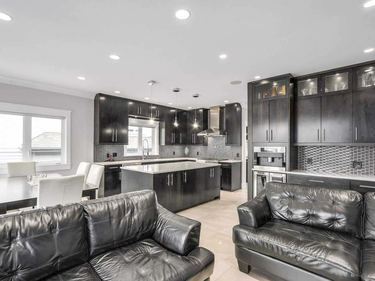 Detached at 6185 6TH STREET, Burnaby South, British Columbia. Image 5