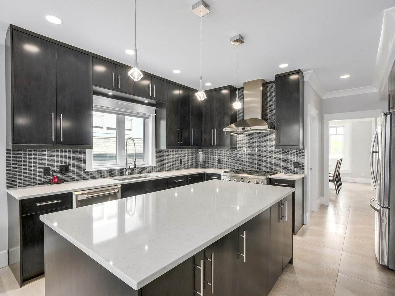 Detached at 6185 6TH STREET, Burnaby South, British Columbia. Image 6