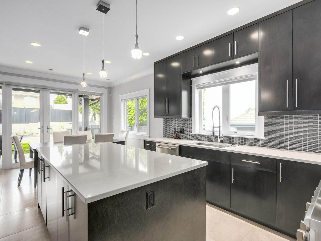 Detached at 6185 6TH STREET, Burnaby South, British Columbia. Image 7