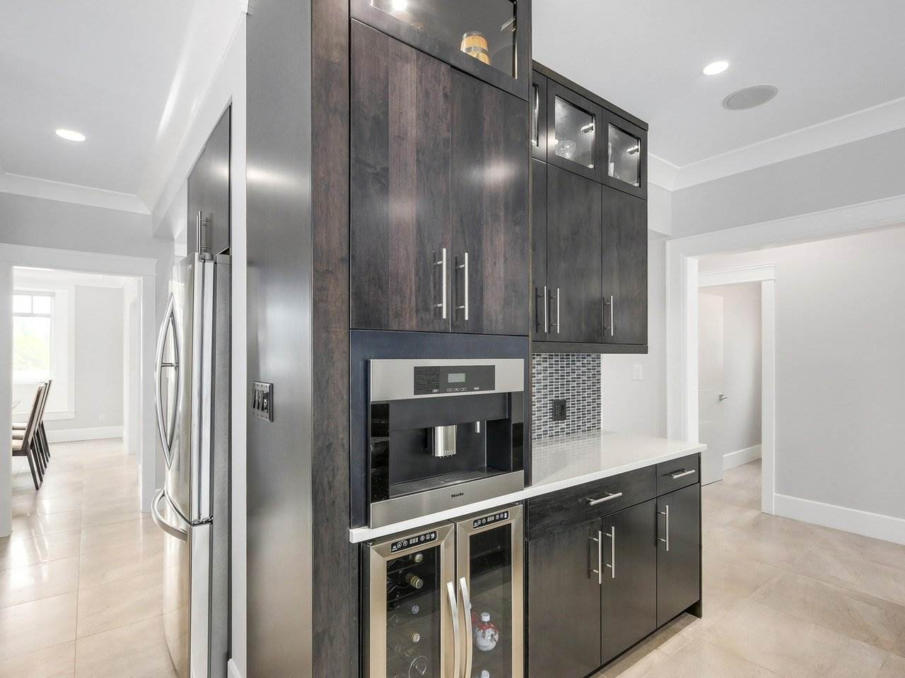 Detached at 6185 6TH STREET, Burnaby South, British Columbia. Image 10