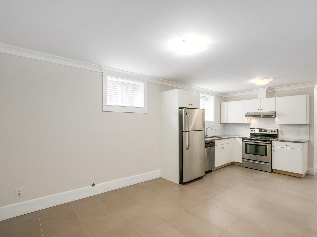 Detached at 6185 6TH STREET, Burnaby South, British Columbia. Image 19