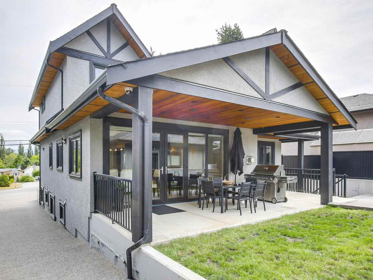 Detached at 6185 6TH STREET, Burnaby South, British Columbia. Image 20