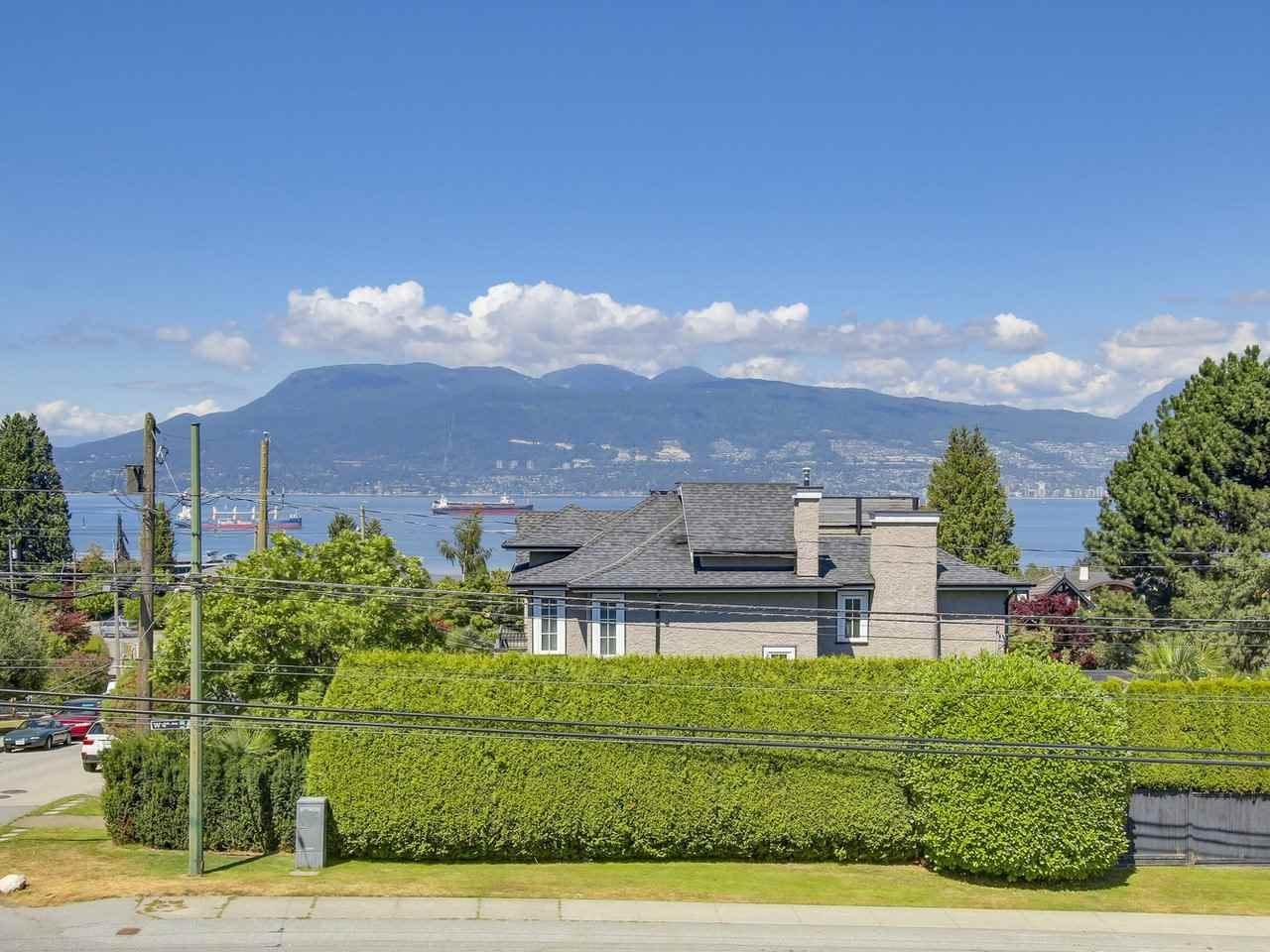 Detached at 2024 SASAMAT STREET, Vancouver West, British Columbia. Image 20
