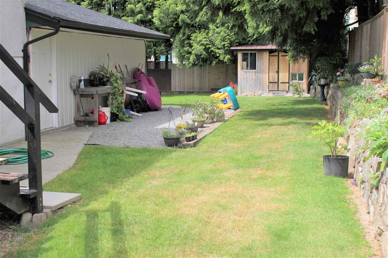 Detached at 21633 DONOVAN AVENUE, Maple Ridge, British Columbia. Image 3