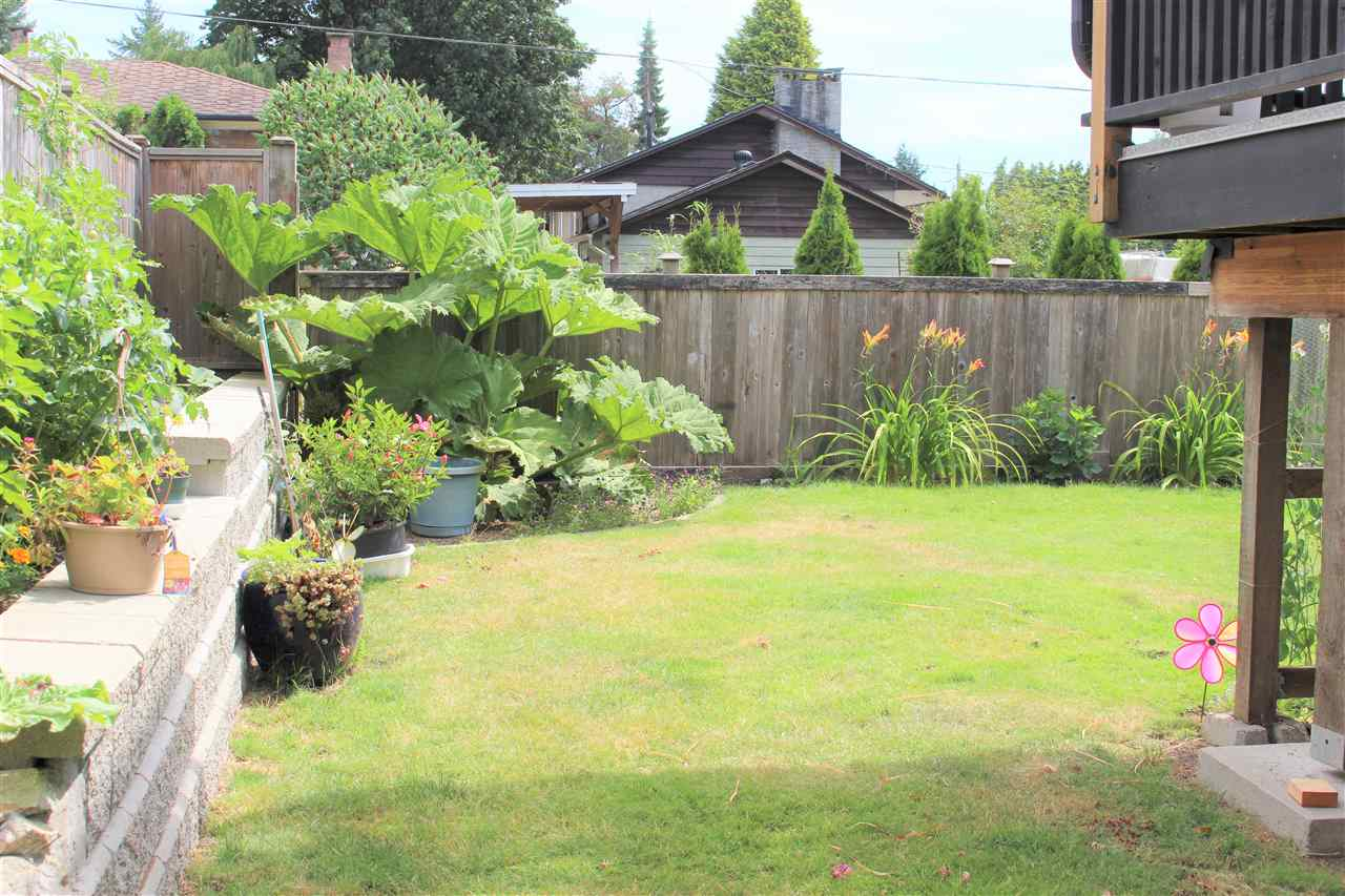 Detached at 21633 DONOVAN AVENUE, Maple Ridge, British Columbia. Image 4