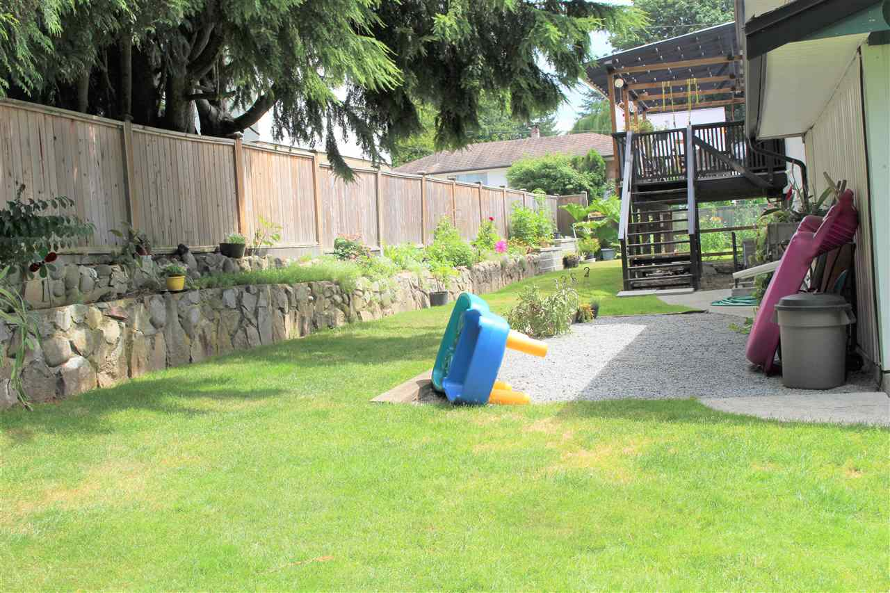 Detached at 21633 DONOVAN AVENUE, Maple Ridge, British Columbia. Image 6