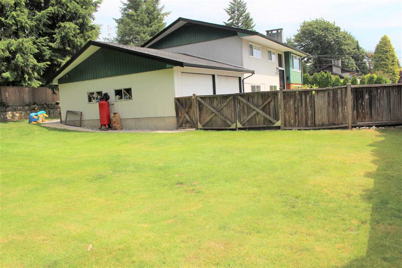 Detached at 21633 DONOVAN AVENUE, Maple Ridge, British Columbia. Image 8