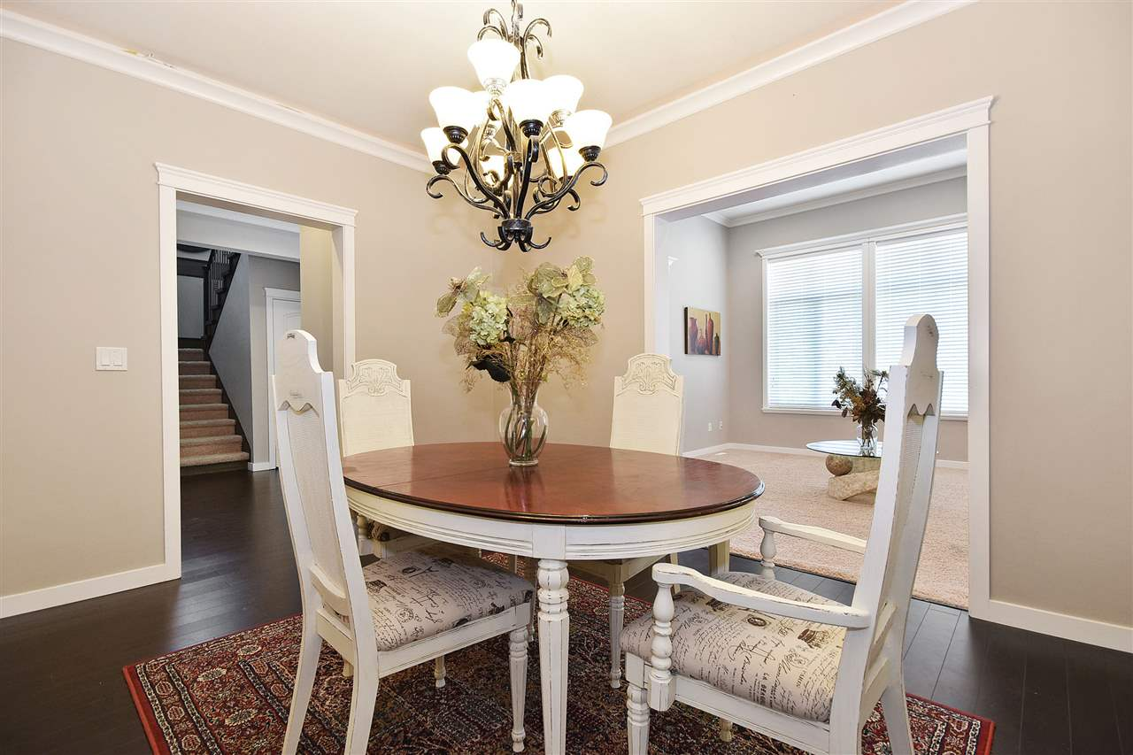 Detached at 32966 CHERRY AVENUE, Mission, British Columbia. Image 4