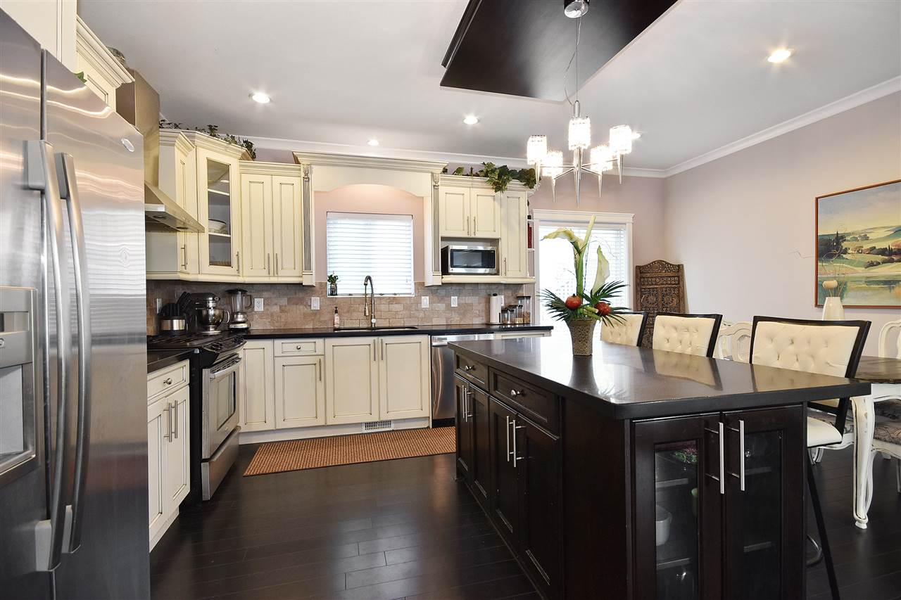 Detached at 32966 CHERRY AVENUE, Mission, British Columbia. Image 5