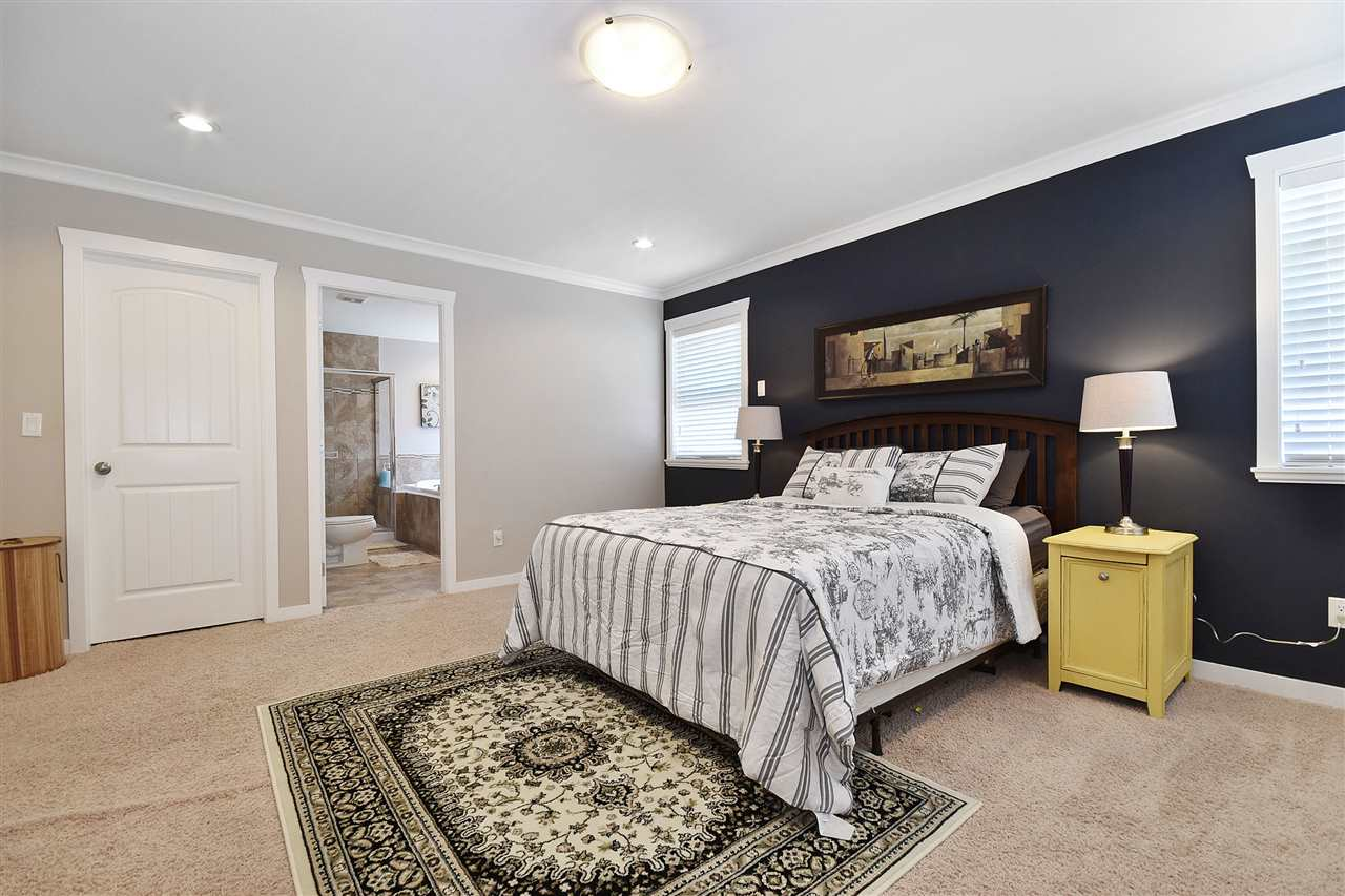 Detached at 32966 CHERRY AVENUE, Mission, British Columbia. Image 9