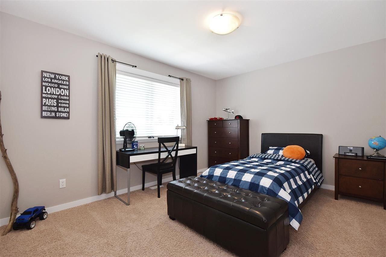 Detached at 32966 CHERRY AVENUE, Mission, British Columbia. Image 12