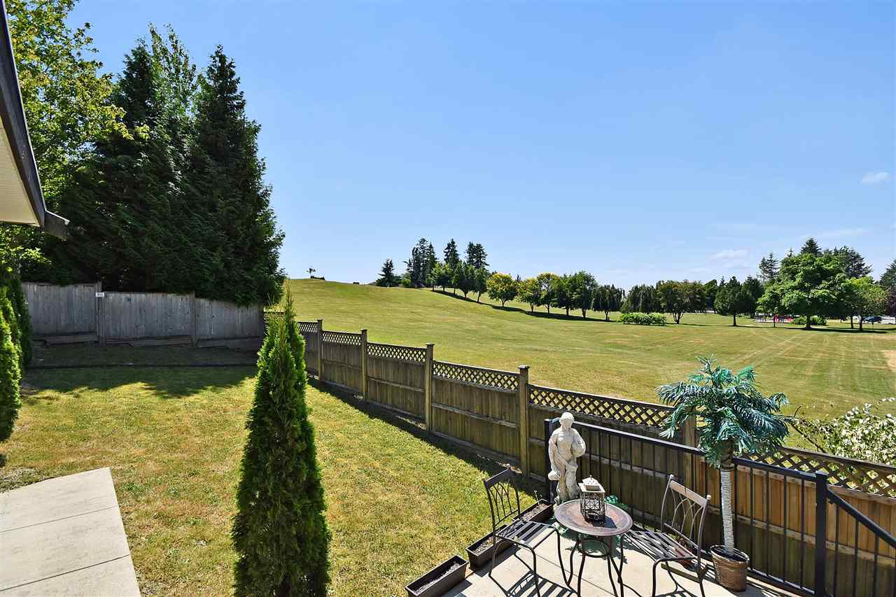 Detached at 32966 CHERRY AVENUE, Mission, British Columbia. Image 19