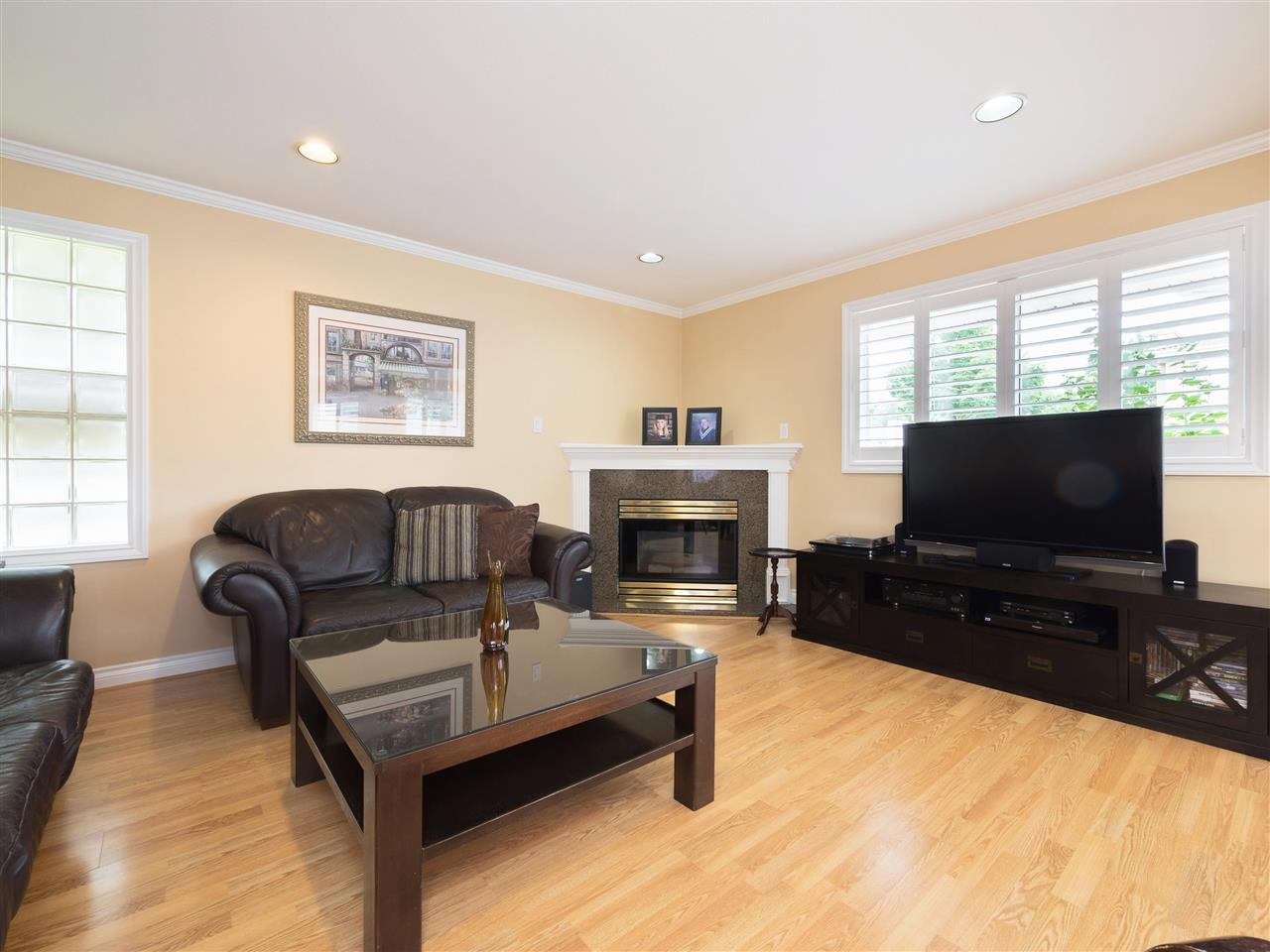 Detached at 8707 YARROW PLACE, Burnaby East, British Columbia. Image 2