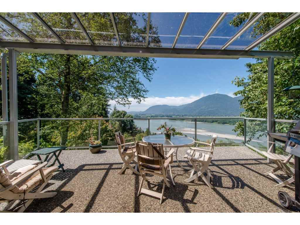 Detached at 43150 OLD ORCHARD ROAD, Chilliwack, British Columbia. Image 2