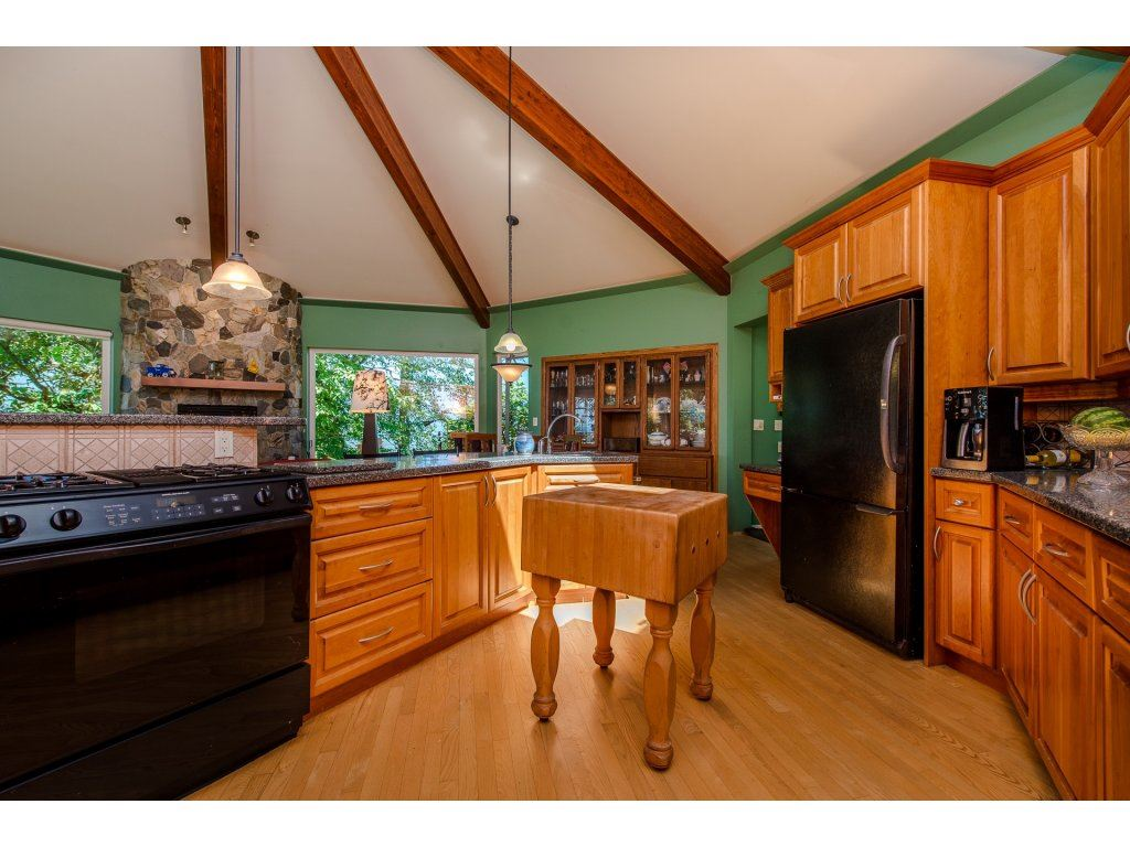 Detached at 43150 OLD ORCHARD ROAD, Chilliwack, British Columbia. Image 8