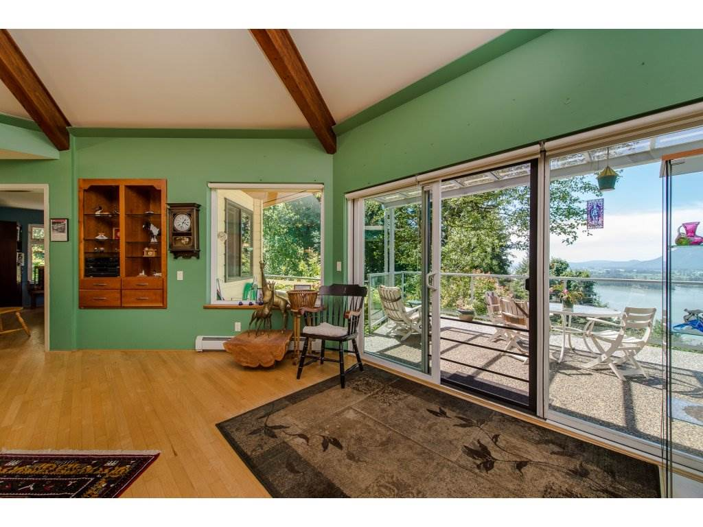 Detached at 43150 OLD ORCHARD ROAD, Chilliwack, British Columbia. Image 9