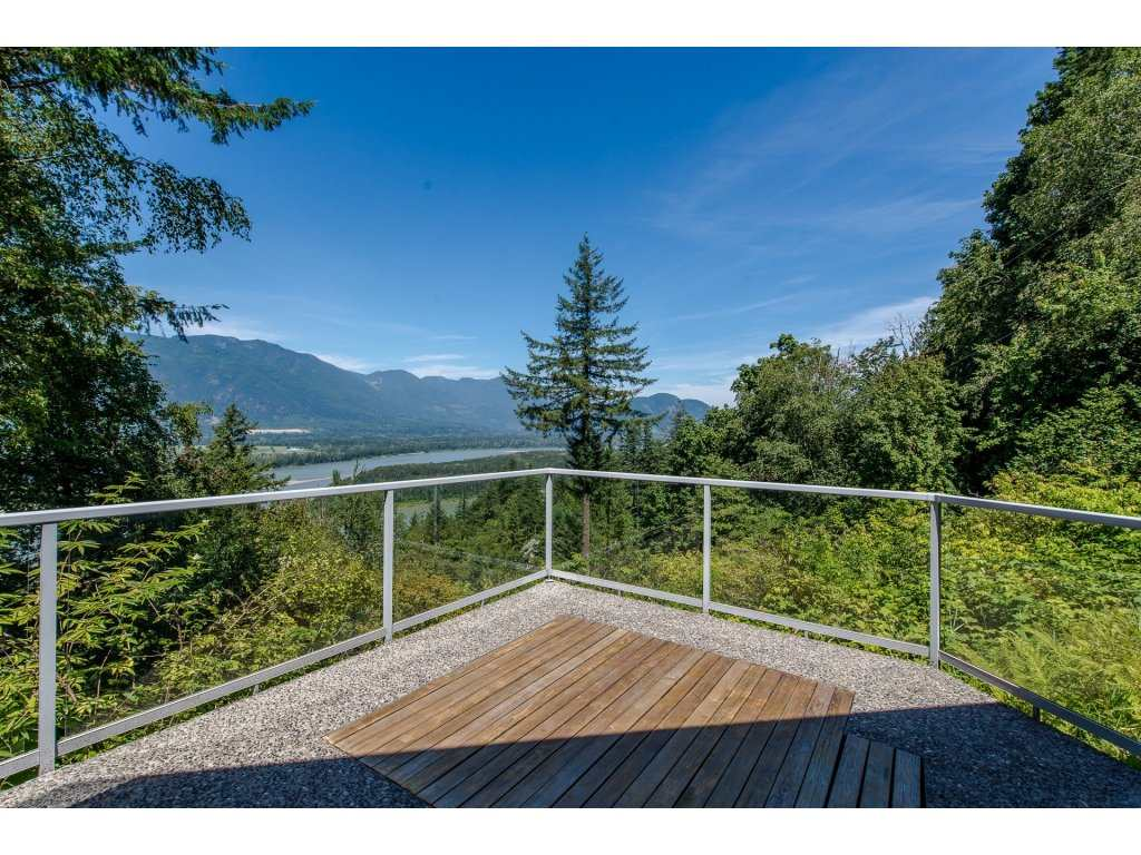 Detached at 43150 OLD ORCHARD ROAD, Chilliwack, British Columbia. Image 15