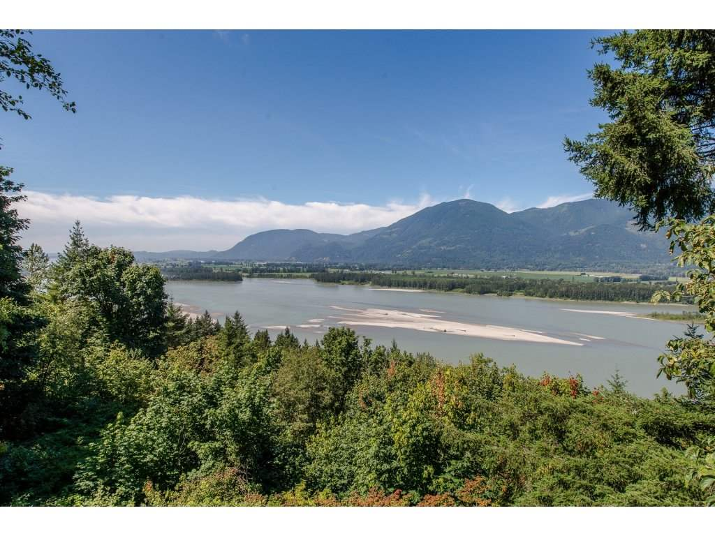 Detached at 43150 OLD ORCHARD ROAD, Chilliwack, British Columbia. Image 16