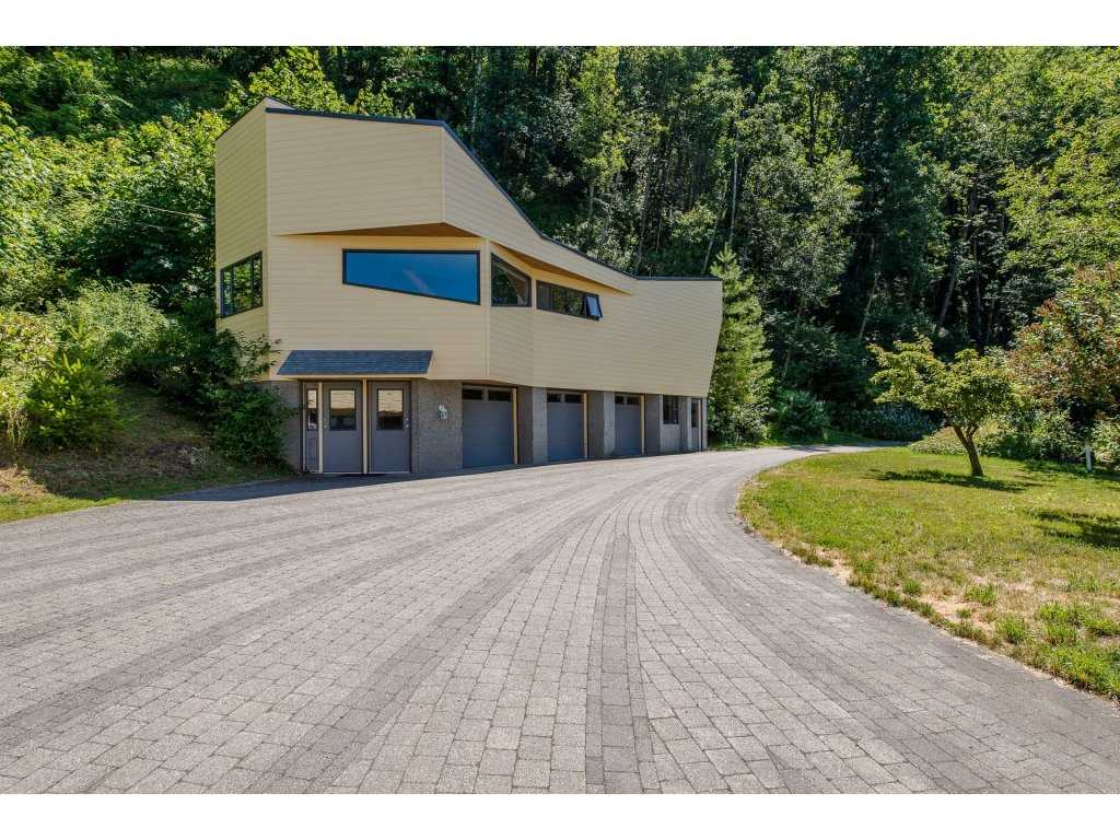 Detached at 43150 OLD ORCHARD ROAD, Chilliwack, British Columbia. Image 17