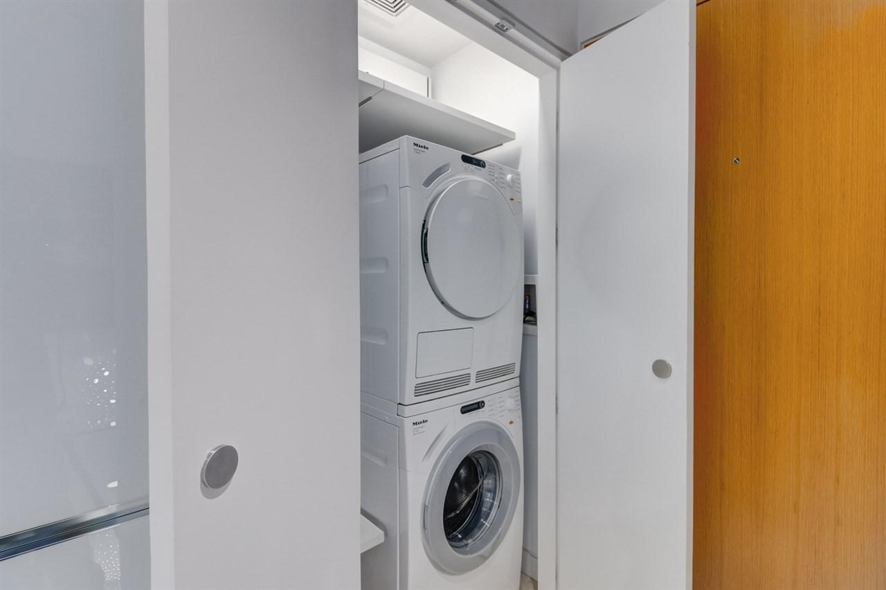 Condo Apartment at 1407 838 W HASTINGS STREET, Unit 1407, Vancouver West, British Columbia. Image 19