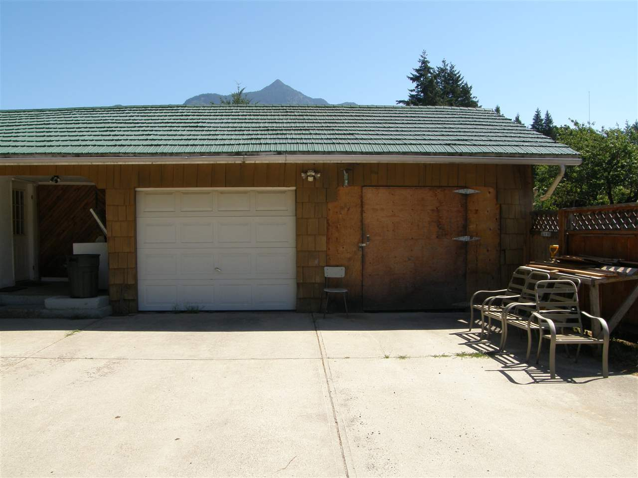 Detached at 630 FORT STREET, Hope, British Columbia. Image 3