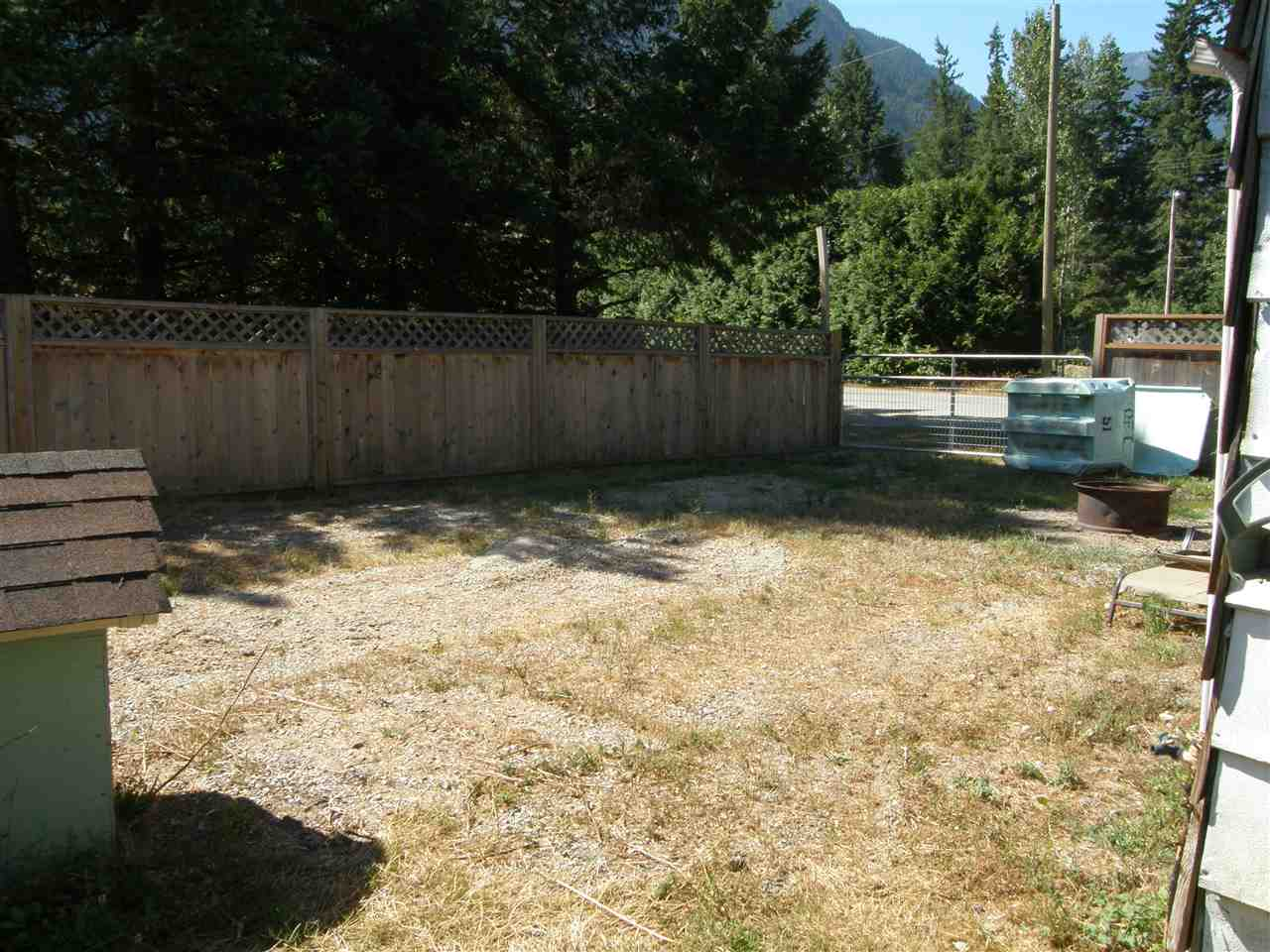 Detached at 630 FORT STREET, Hope, British Columbia. Image 16