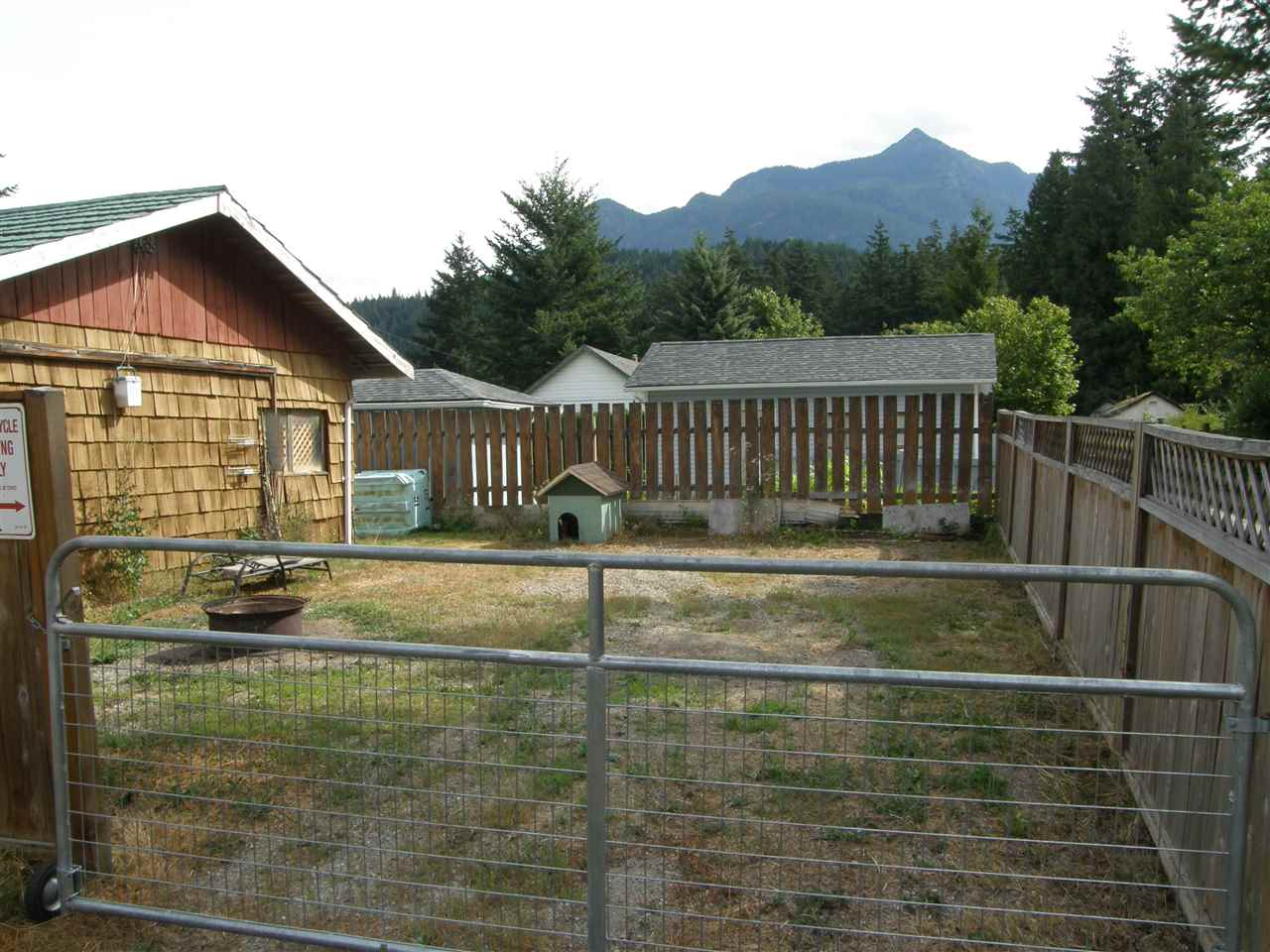 Detached at 630 FORT STREET, Hope, British Columbia. Image 17