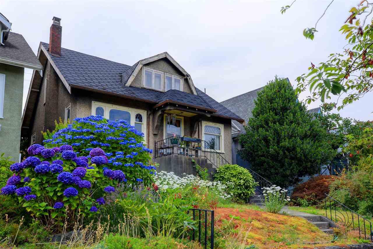 Detached at 4055 DUNBAR STREET, Vancouver West, British Columbia. Image 2