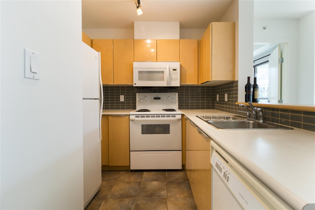 Condo Apartment at 708 1003 PACIFIC STREET, Unit 708, Vancouver West, British Columbia. Image 5