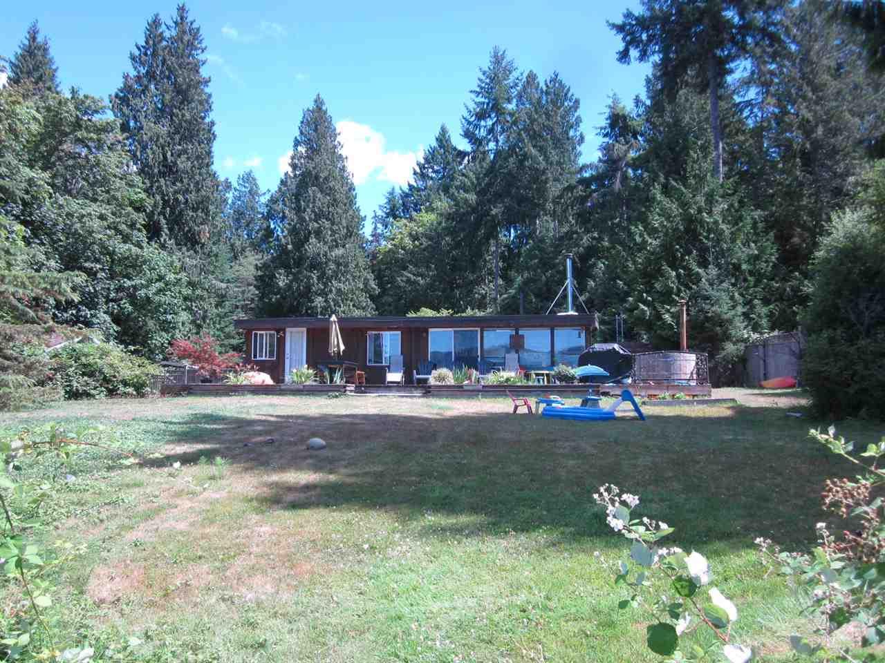 Detached at 6185 SECHELT INLET ROAD, Sunshine Coast, British Columbia. Image 6