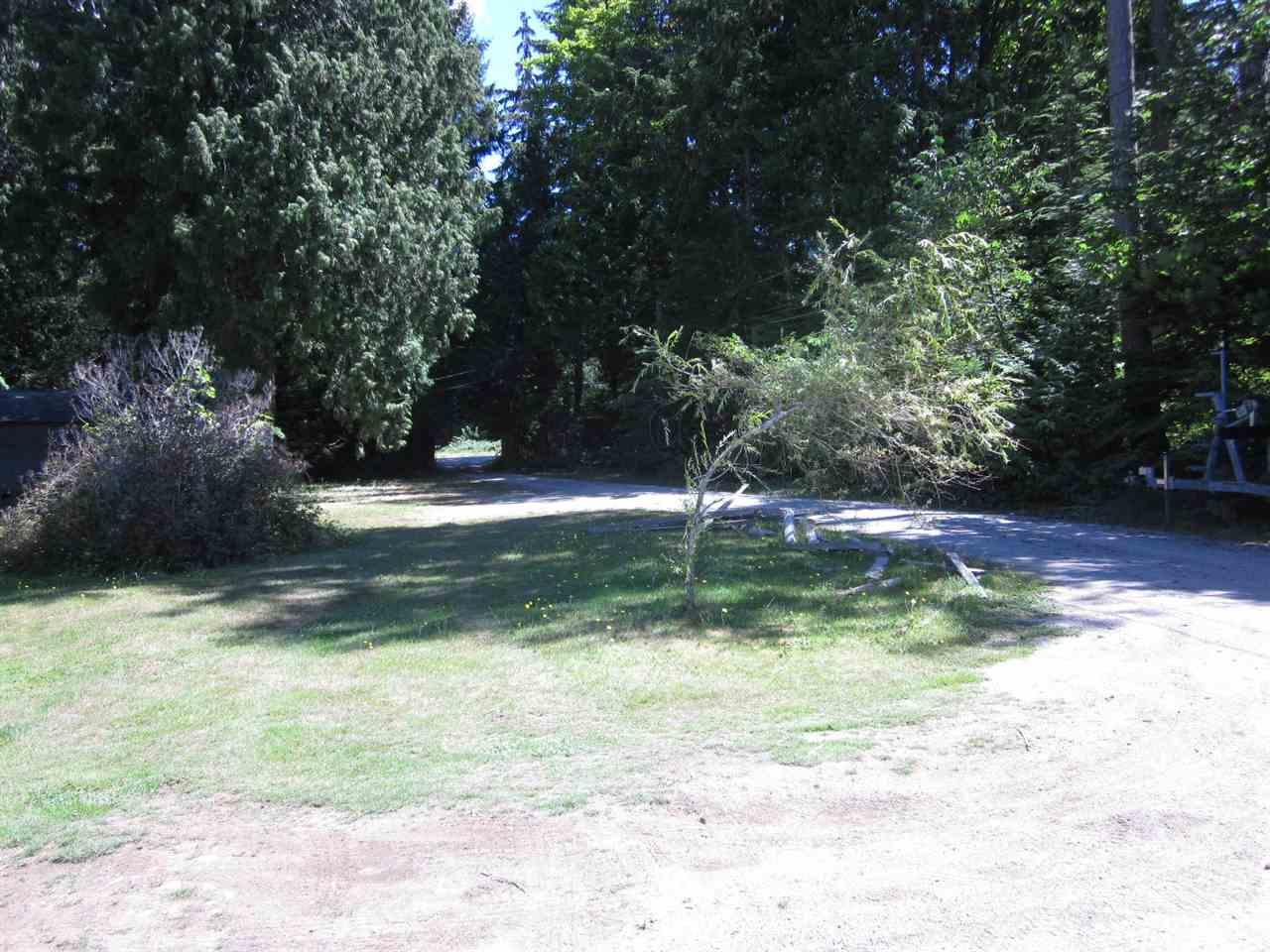 Detached at 6185 SECHELT INLET ROAD, Sunshine Coast, British Columbia. Image 15