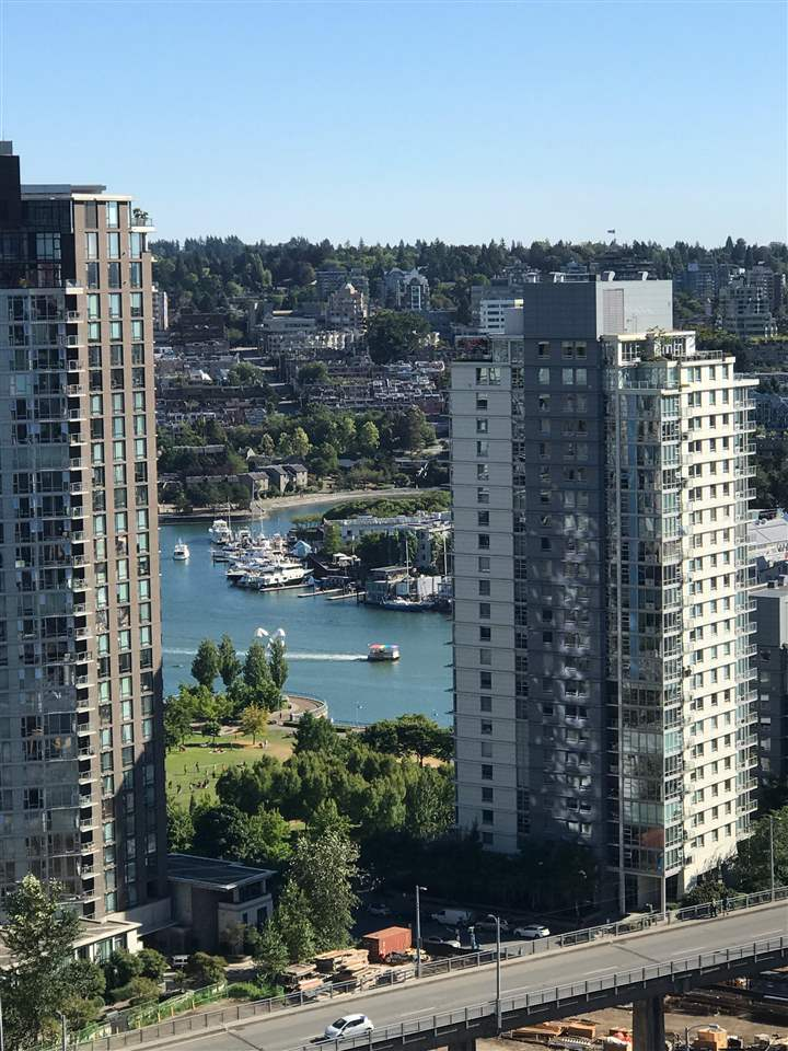 Condo Apartment at 2605 1351 CONTINENTAL STREET, Unit 2605, Vancouver West, British Columbia. Image 8