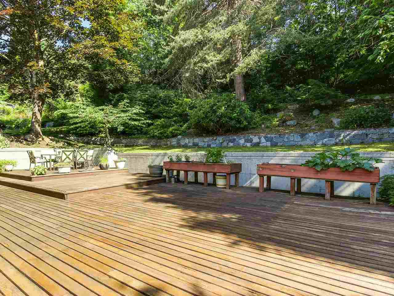 Detached at 1333 TYROL ROAD, West Vancouver, British Columbia. Image 8