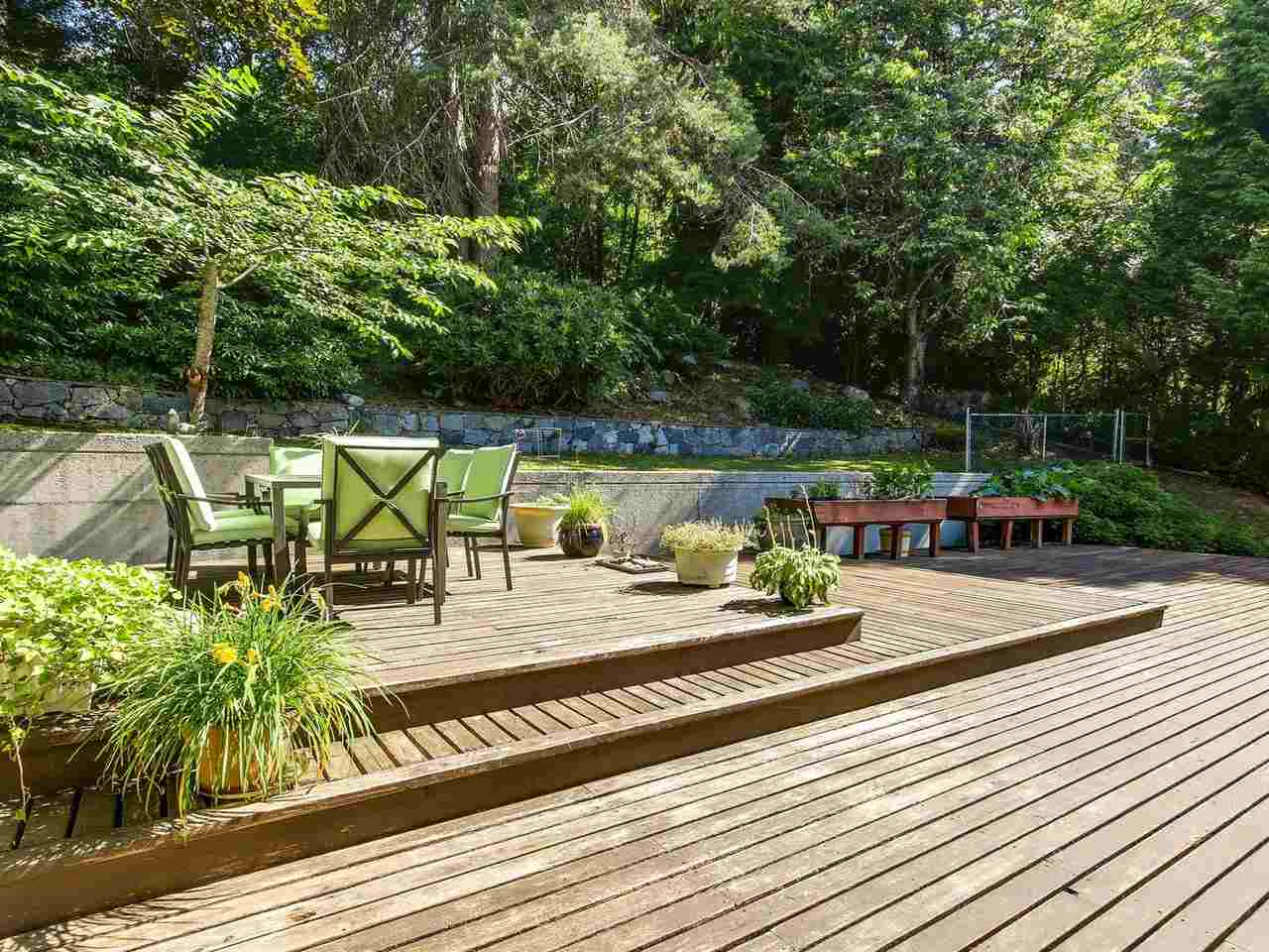 Detached at 1333 TYROL ROAD, West Vancouver, British Columbia. Image 9