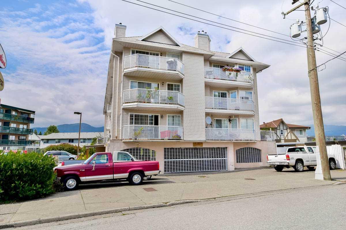 Condo Apartment at 305 46351 YALE ROAD, Unit 305, Chilliwack, British Columbia. Image 1