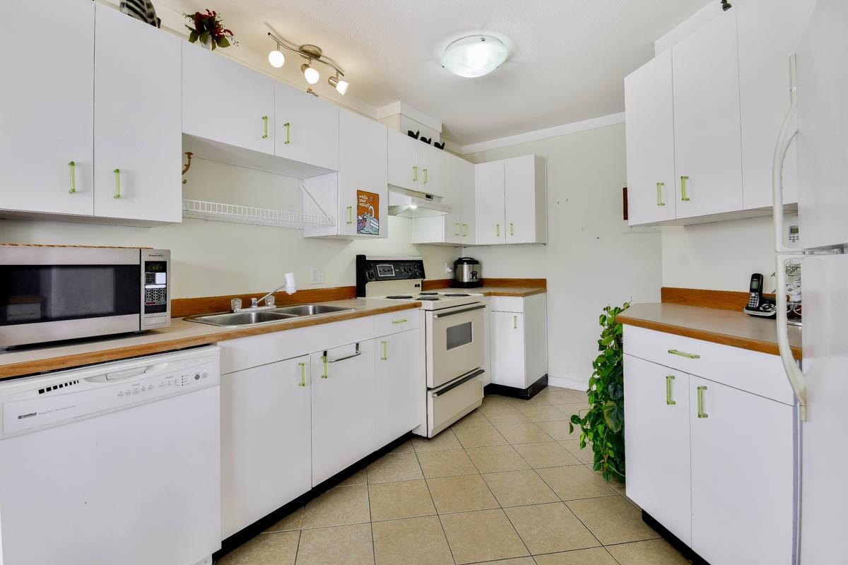 Condo Apartment at 305 46351 YALE ROAD, Unit 305, Chilliwack, British Columbia. Image 6