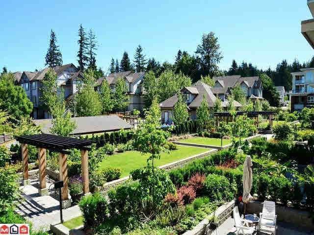 Condo Apartment at 208 2950 KING GEORGE BOULEVARD, Unit 208, South Surrey White Rock, British Columbia. Image 2