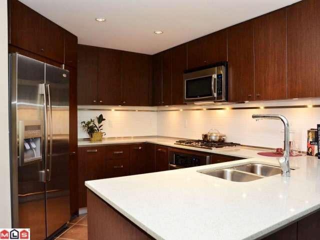 Condo Apartment at 208 2950 KING GEORGE BOULEVARD, Unit 208, South Surrey White Rock, British Columbia. Image 3