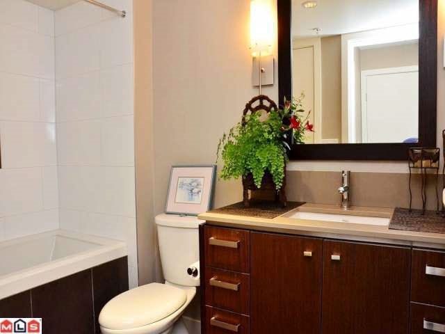 Condo Apartment at 208 2950 KING GEORGE BOULEVARD, Unit 208, South Surrey White Rock, British Columbia. Image 5