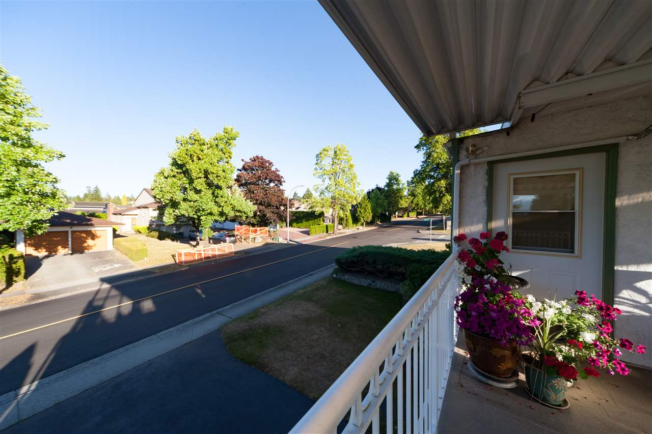 Detached at 6061 GILLEY AVENUE, Burnaby South, British Columbia. Image 14