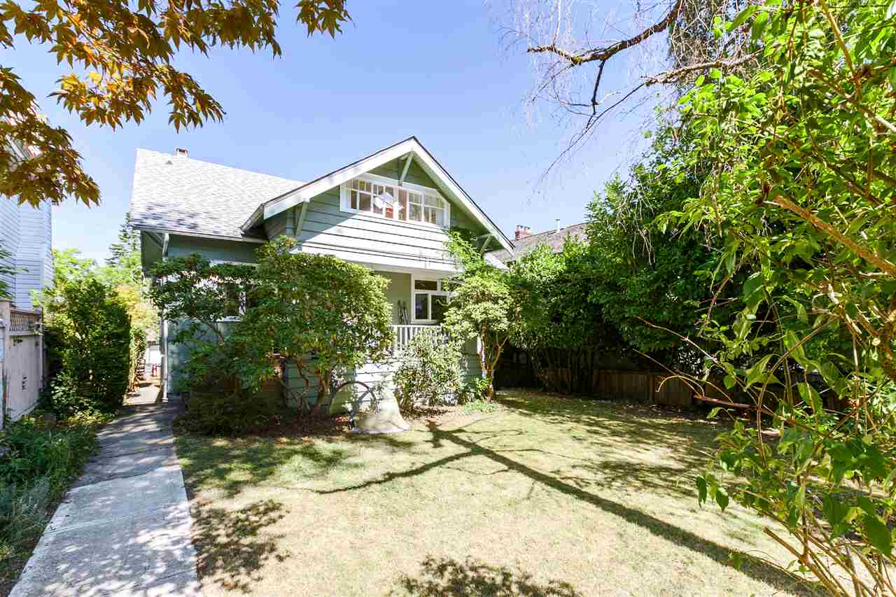 Detached at 3811 W 14TH AVENUE, Vancouver West, British Columbia. Image 2