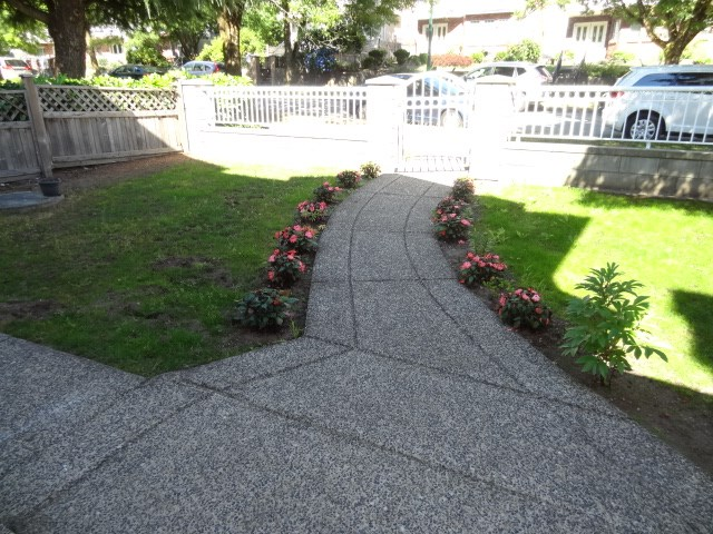 Detached at 5635 SHERBROOKE STREET, Vancouver East, British Columbia. Image 2