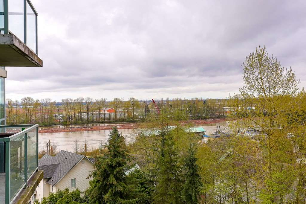 Condo Apartment at 809 2733 CHANDLERY PLACE, Unit 809, Vancouver East, British Columbia. Image 7