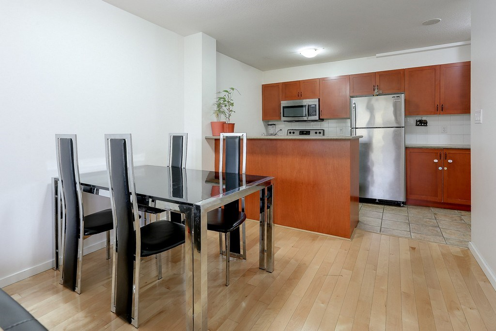 Condo Apartment at 809 2733 CHANDLERY PLACE, Unit 809, Vancouver East, British Columbia. Image 9