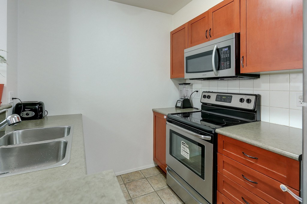 Condo Apartment at 809 2733 CHANDLERY PLACE, Unit 809, Vancouver East, British Columbia. Image 11