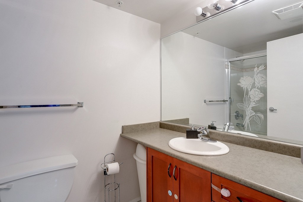 Condo Apartment at 809 2733 CHANDLERY PLACE, Unit 809, Vancouver East, British Columbia. Image 15