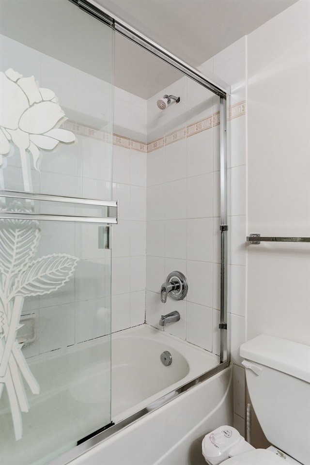 Condo Apartment at 809 2733 CHANDLERY PLACE, Unit 809, Vancouver East, British Columbia. Image 16