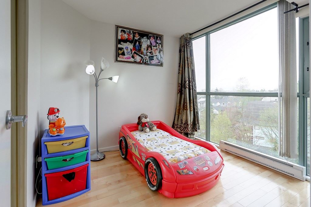 Condo Apartment at 809 2733 CHANDLERY PLACE, Unit 809, Vancouver East, British Columbia. Image 17